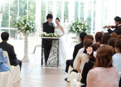 結婚30年の夫婦が結婚式に参列、最新の人前式を初体験!