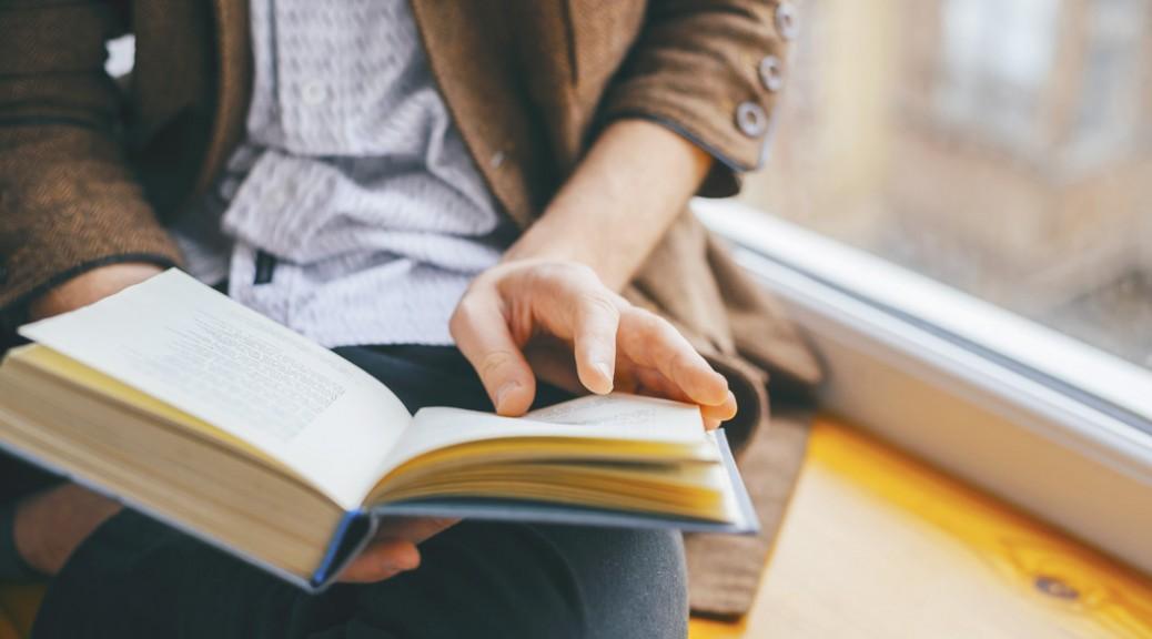 今こそ日本の文学を読書しよう。読書の効果・大きなメリットとは?おススメの作家もご紹介!